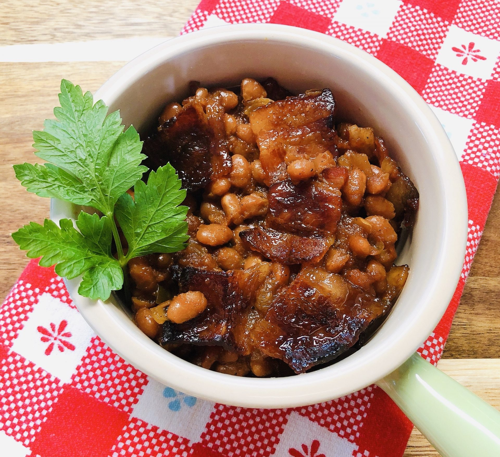 spicy-baked-beans-with-bacon-heather-lucilles-kitchen-food-blog