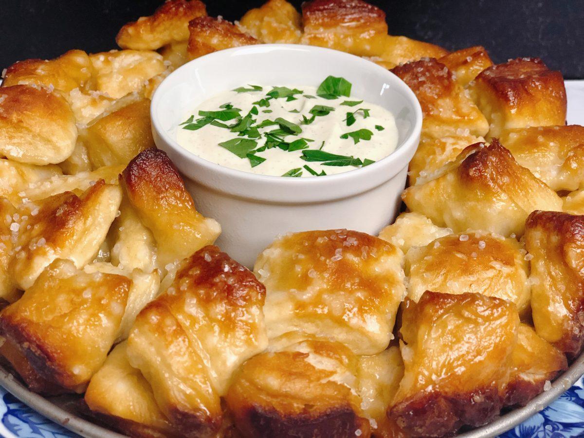 pretzel-monkey-bread-recipe-heather-lucilles-kitchen-food-blog
