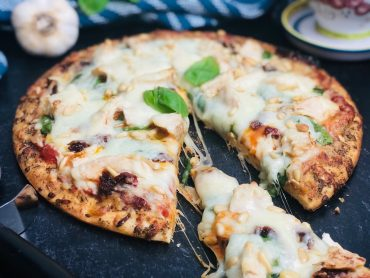 Chicken-Spinach-And-Sun-Dried-Tomato-Pizza